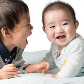 赤ちゃんとお兄ちゃん